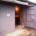 Распашные металлические ворота для гаража